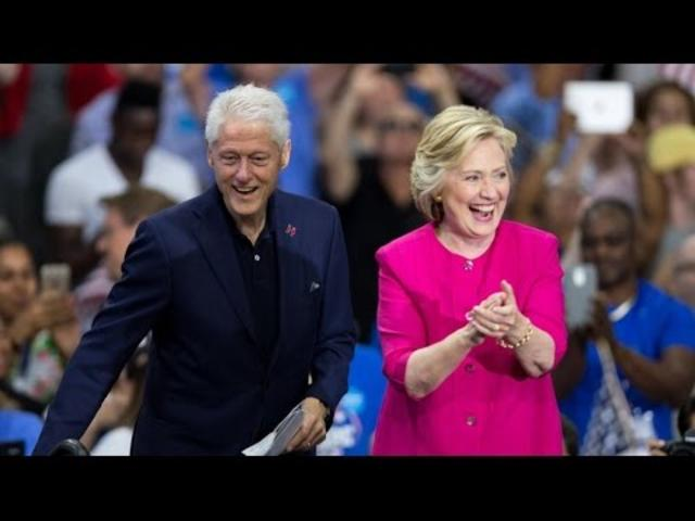 Watch Live Hillary Bill And Chelsea Clinton 39 S Midnight